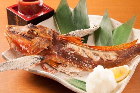 1分間でどれだけ盛れる?100円で3種の海鮮盛り放題メニューが凄い!