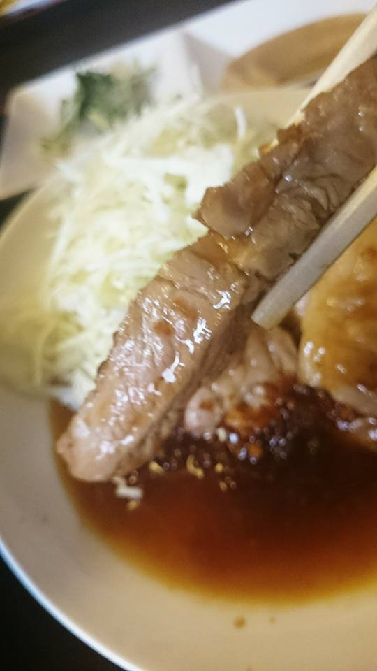 新鮮なお刺身がお腹いっぱい食べられる!ご飯大盛り無料の満足海鮮ランチ
