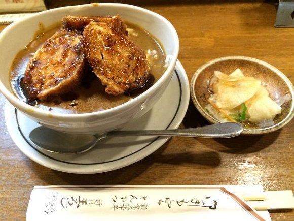 新宿「王ろじ」は大正10年創業!老舗とんかつ屋のオリジナルカツカレー