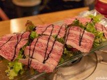 30分290円で50種類の樽ワインが飲み放題!料理も美味しい肉バル!