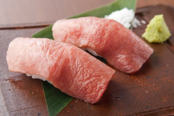 美しすぎるサシに興奮!絶品神戸牛の焼肉が6000円でまさかの食べ放題