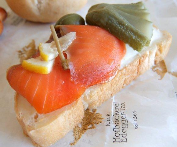 持ち寄りパーティーにも!テイクアウトできる人気のサンドイッチ6記事
