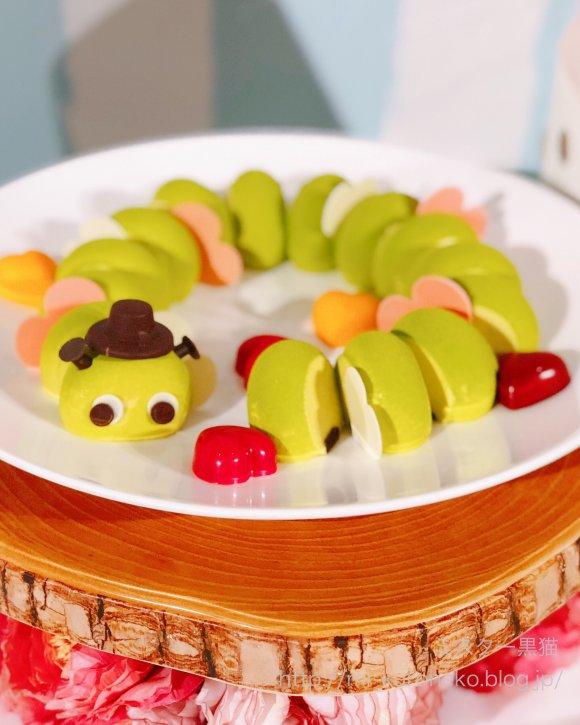 お菓子のワンダーランド!一流ホテルで楽しめるアリスのデザートブッフェ