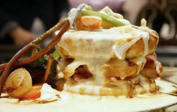 自分へのご褒美に!ふわとろチーズ&トリュフの贅沢パンケーキ