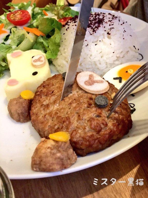 可愛すぎて食べられない!期間限定のリラックマカフェに潜入