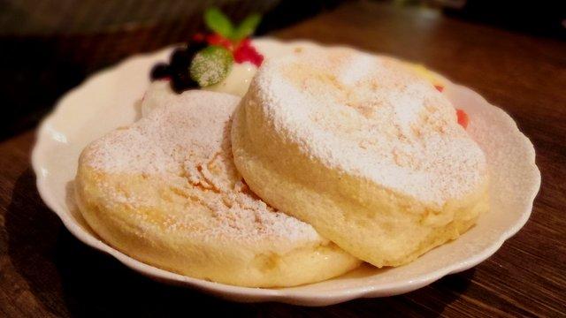 【福岡天神】行列必至!リピ続出!ふわふわ生地のパンケーキ!