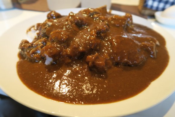 肉の完成度は「元祖」を超えたかも?定期的に食べたい伝説の激辛カレー