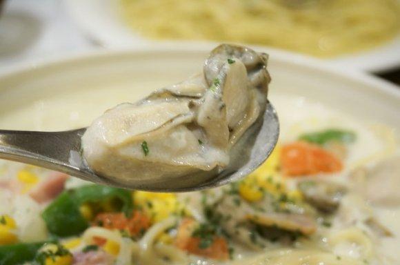 冬限定★大きな牡蠣がゴロゴロ入ったコーンスープスパ@恵比寿