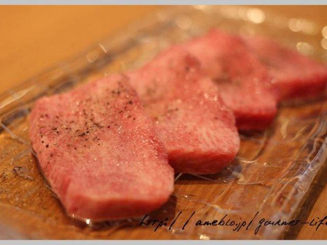 どうせ食うならうまい肉!銀座なのに驚きの値段で上質な肉を食べられる店