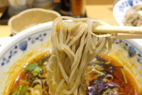 たっぷりお肉と甘辛いタレが絶妙!秋葉原で「肉蕎麦つけ麺」をガッツリと