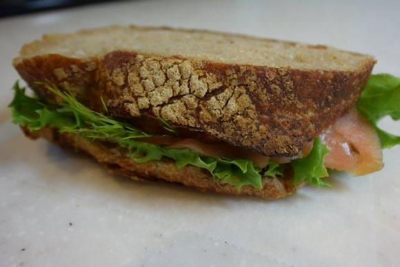 夏バテ対策にも!栄養価の高い小麦を使った話題のパン@新宿