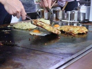 並んででも食べたい!昭和を感じる昔ながらの味が嬉しいお好み焼きの名店