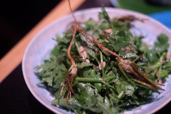 まるでリゾート!新宿で本格的なタイ・ベトナム料理が堪能できる新店