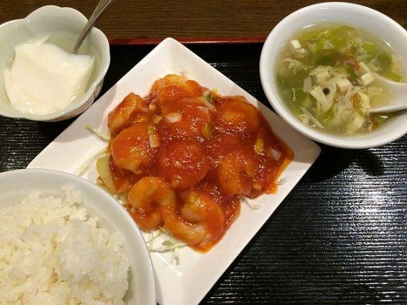 全66通り!2種類のメイン料理を選んで自分用の定食を@新宿