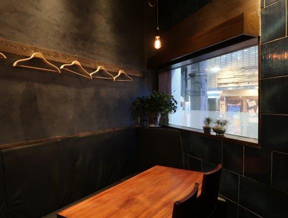 路地裏の穴場!梅田の肉料理店で4000円黒毛和牛ステーキコースがお得