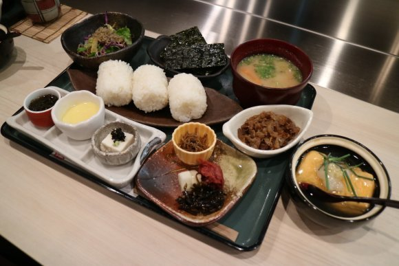 牛ロースカツにおにぎり御膳・カレーも!大阪で覚えておくべき激旨ランチ