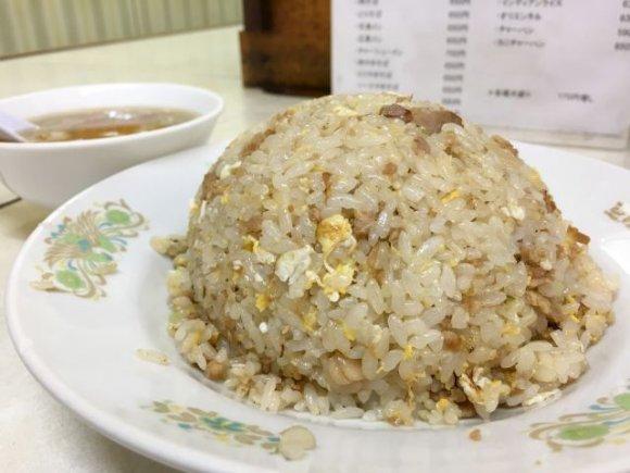 中華から焼肉、フライまで!メニュー豊富で知る人ぞ知るレトロな街中華