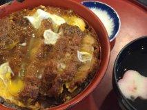 あまりの美味しさにハマる!地元食通も20年以上通う「狐狸庵」のカツ丼