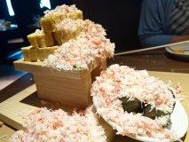 蟹ぶっかけ出し巻きがド迫力!銀座の真ん中で北海道の海鮮を味わえるお店
