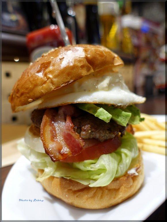 旨み溢れる極上パティ!肉感がたまらないハンバーガー6記事