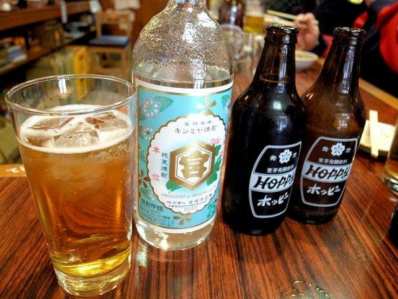 土日は限定メニュー「ジャンボメンチ」が登場!昼飲みできる老舗の居酒屋
