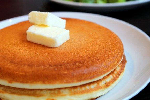モッチモチ食感の秘密は米粉!米粉をつかったふわもち絶品パンケーキ3選