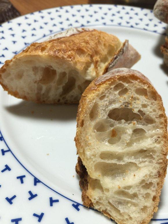 朝6時から大盛況!最強に美味いバゲットが人気のパン屋@大阪