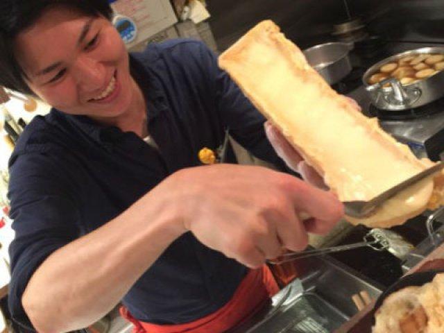 あのアニメでもお馴染み!濃厚ラクレットチーズは必食の新感覚なビストロ