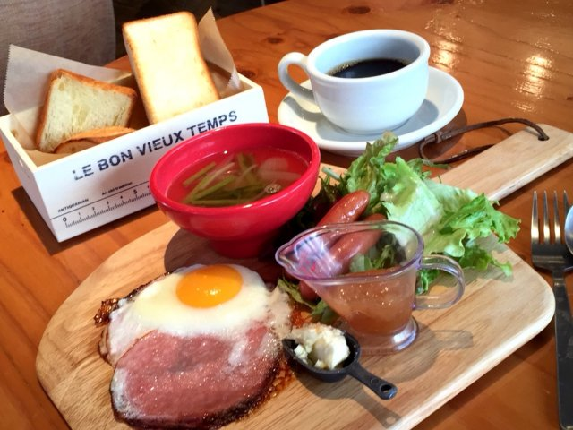 700円でドリンクバー付!お洒落カフェで満足度大な朝食を
