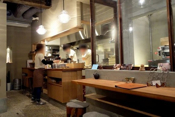 まるでお蕎麦と見紛う「自家製粉粗挽きざるうどん」@大阪本町
