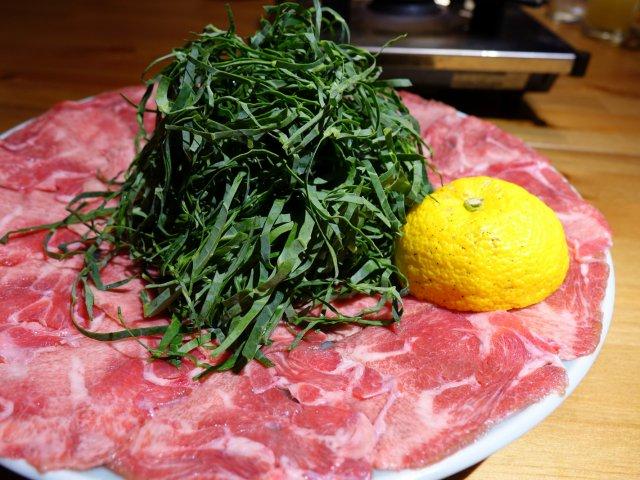 神楽坂の『肉の五合』で肉づくし!松茸香る牛タンしゃぶしゃぶコースを