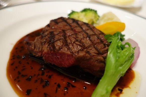 深い味わいの料理がたくさん!パンペアリングもおいしい正統派フレンチ