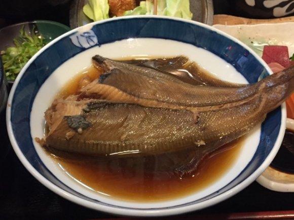 破格の680円!刺身に串かつ、魚料理と小鉢、茶碗蒸し付き大満足ランチ
