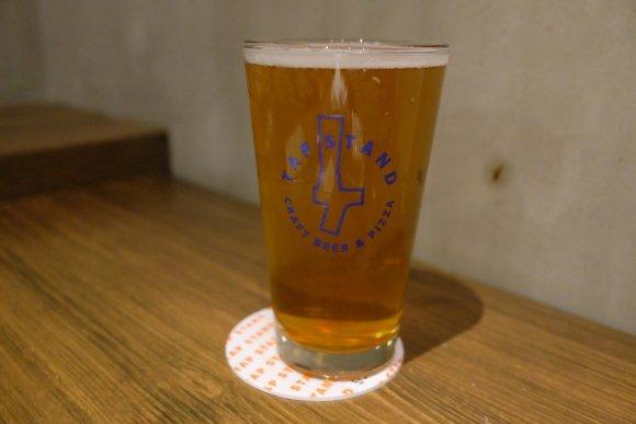 新宿駅から徒歩3分!料理が個性的でクラフトビールがリーズナブルなお店
