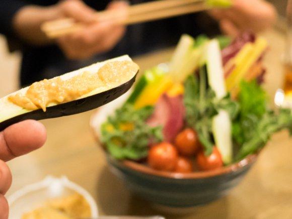 獺祭など人気銘柄飲み放題が2700円!釜炊きわっぱ飯も旨い日本酒バル