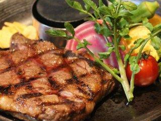 昼飲みもできちゃう!鎌倉野菜とハンバーグ・ステーキのランチがお得な店