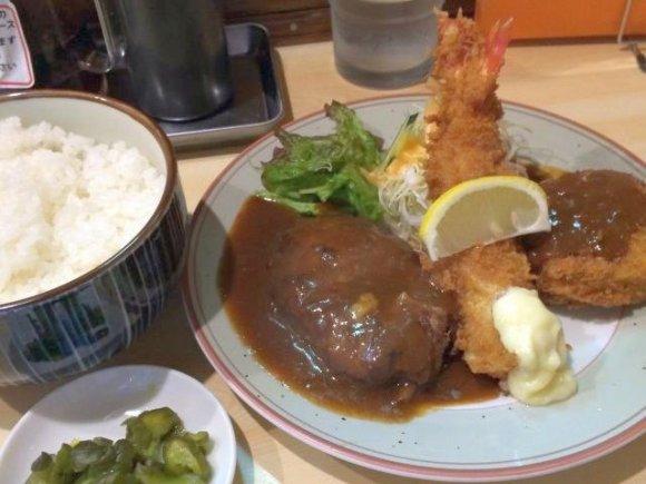 あの昭和の巨匠も愛した!セットメニューが豊富な昭和レトロな洋食屋さん