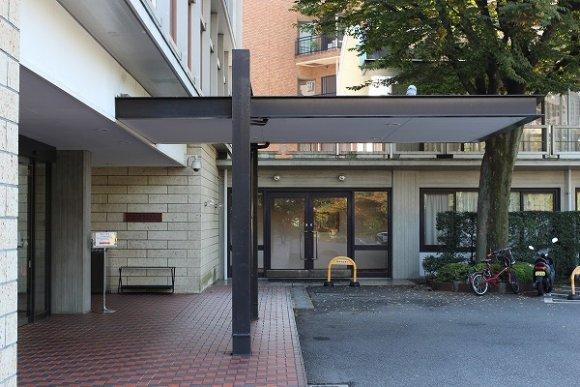 都内で2000坪の日本庭園を眺めながらフレンチがいただけるレストラン