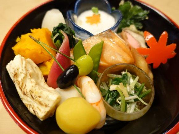 美しさに息をのむ!京料理の真髄が詰まった京弁当を河原町で