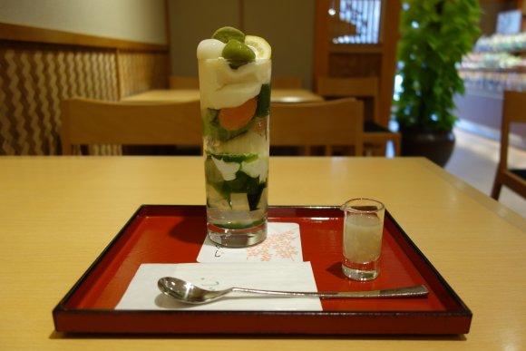 夏の京都・祇園で食べたい!涼を感じる「絶品抹茶パフェ」があるお店4選