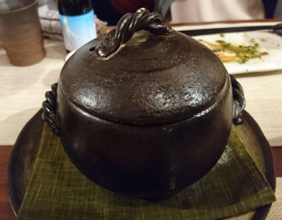 日本酒が時間無制限で飲み放題!ウニの肉巻きから〆までウニ尽くしを堪能