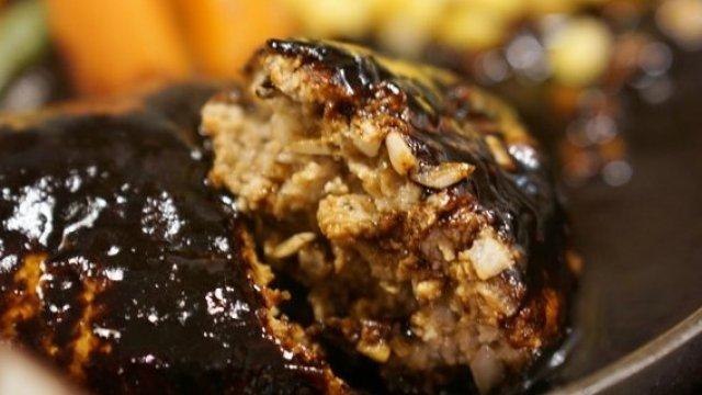 本当に美味しいハンバーグが集結!肉汁と笑顔が溢れる記事6選