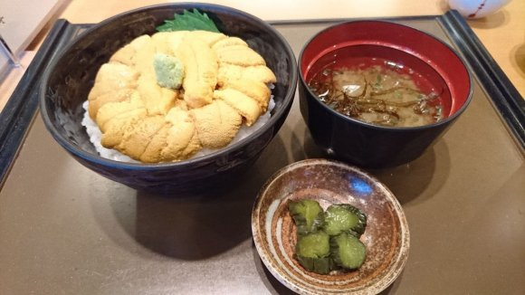 北海道といえば海鮮丼!お刺身盛り放題など新鮮でおいしい海鮮のお店