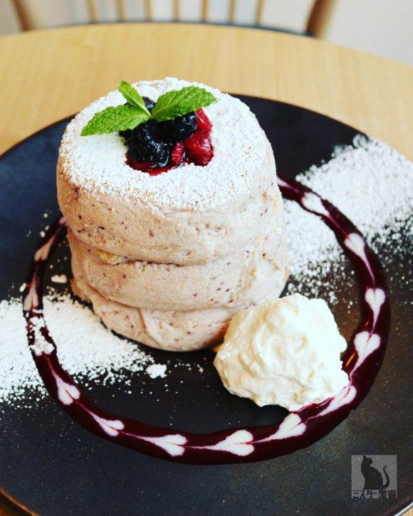 ふわふわぷるぷる揺れるパンケーキで大人気!原宿のお店から春限定が登場