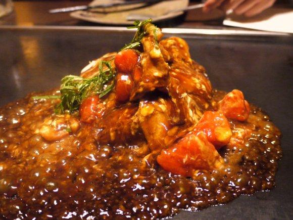 トマトお好みにアボカド焼きそば!京都の人気店が新宿に登場!