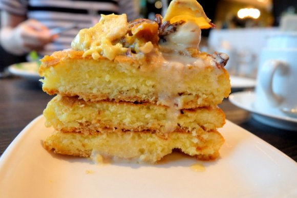 サクサクのパイ生地をサンド!お芋づくしの最高の秋パンケーキ