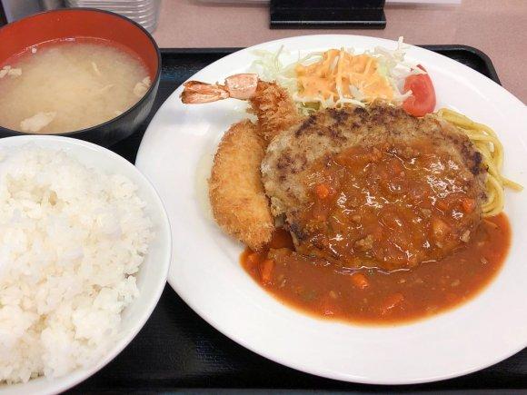 """ご飯がガンガン進む""""間違いのない味""""!激戦区池袋で人気の洋食店"""