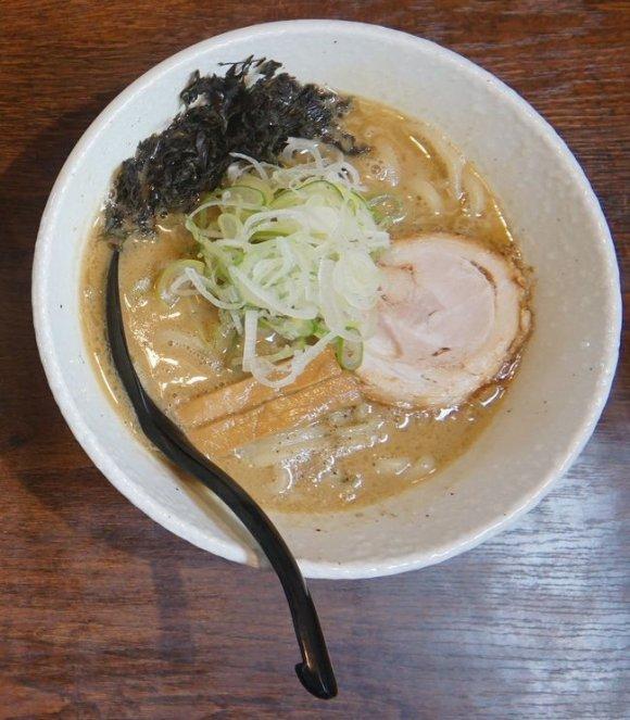 マニアがイチ押し!石川県を代表する煮干しラーメン専門店「煮干し番長」