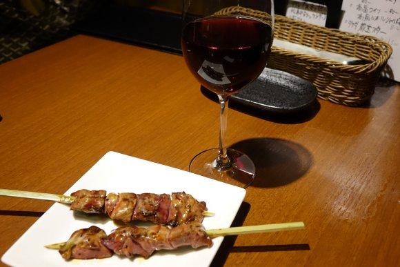 春雨サラダが食べ放題!国産ワインがリーズナブルに楽しめる焼鳥バル