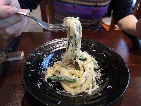 サクッ、ふわ、モチの食感!国産食材を使った旨いナポリピッツァのお店